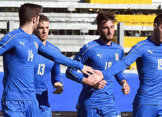 Photo LaPresse - Valerio Andreani 10 February 2016 Città Chiavari (Italy) Sport Soccer Italia Under 21 vs Italia B Friendly Match 2016 Comunale Chiavari Stadium In the pic:  luca mazitelli esulta dopo il gol