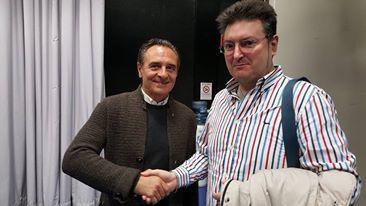Cesare Prandelli, a sinistra, con Vanni Zagnoli. Negli studi di TvParma