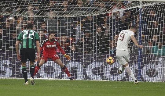 Sassuolo-Roma 1-3. Dzeko