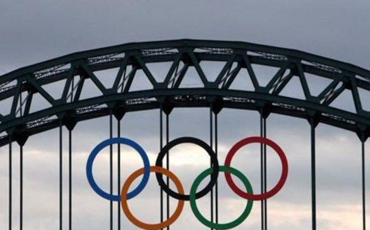 I cinque cerchi Olimpici (tgcom24.mediaset.it)