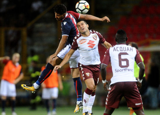 Taider vince uno scontro con Iago Falque (Carlini / Iguana Press/Getty Images)