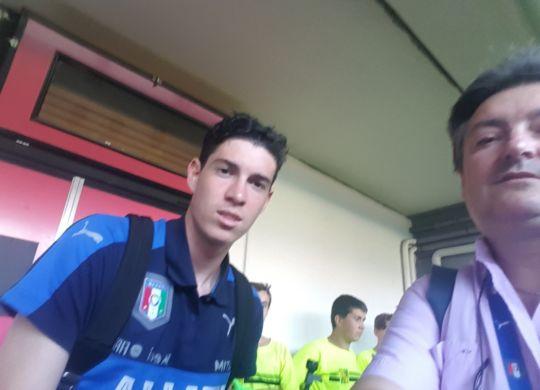 Vanni con Alessandro Bastoni difensore dell'Under 19