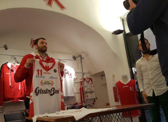 Manuchar Markoishvili nel giorno della presentazione allo store