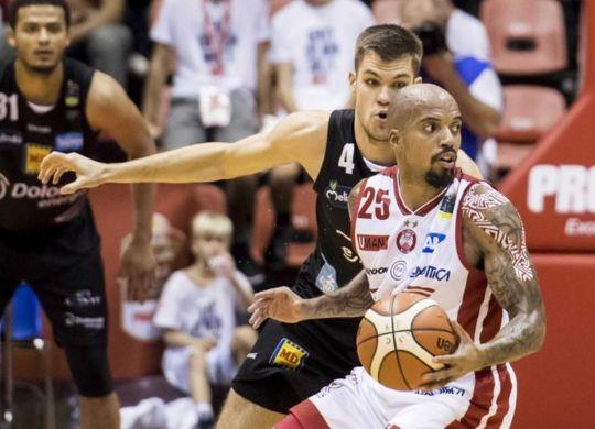 Jordan Theodore MVP della seconda Supercoppa consecutiva vinta da Milano (lapresse)