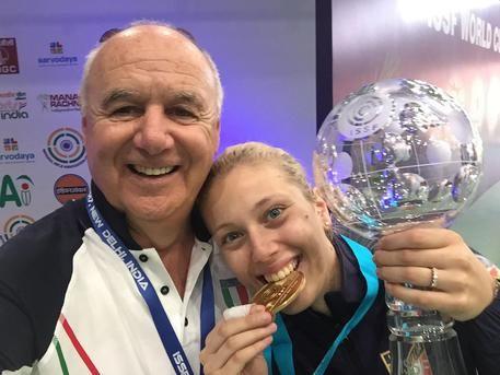 Alessia Iezzi con Albano Pera (ansa)