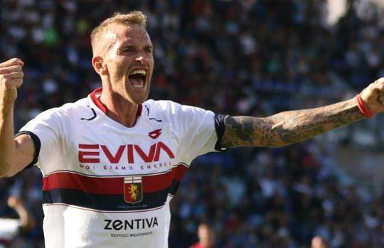 Luca Rigoni ha soffiato il gol a un compagno (ansa)