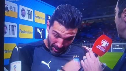 Buffon in lacrime alla fine della partita (affariitaliani.it)