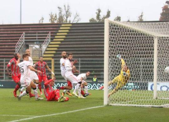 Il gol che al 21' pt aveva portato in vantaggio la Cremonese (ilgiorno.it)