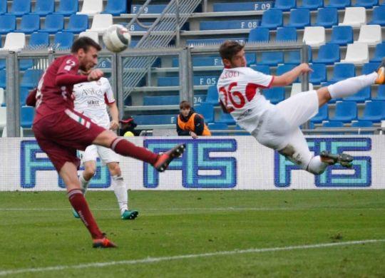 Il colpo di testa di Cianci che ha regalato la vittoria alla Reggiana (Abate/Elite per Reggionline)