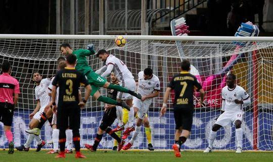 Il colpo di testa di brignoli che ha regalato il primo punto al Benevento (ilsecoloxix.it)