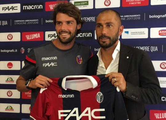Andrea Poli al suo arrivo a Bologna con Marco Di Vaio (sport.sky.it)