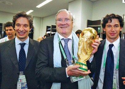 Paolo Nicoletti ( a sinistra) con Guido Rossi e Demetrio Albertini (pressreadear.com)