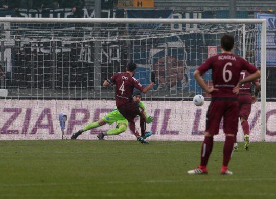 Il gol del vantaggio di Iori per il Cittadella (Lapresse)