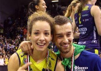 Coach Santarelli con la moglie Moki De Gennaro (tribunatreviso.gelocal.it)