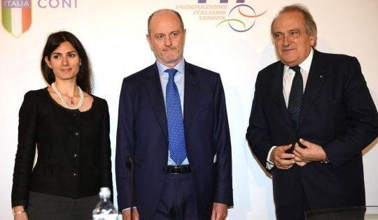 Virginia Raggi, il presidente Federtennis Angelo Binaghi e Luigi Abete presidente BNL (ansa)