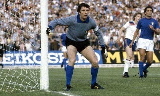 Dino Zoff portiere della nazionale di calcio dal 1968 al 1983 (mondi.it)