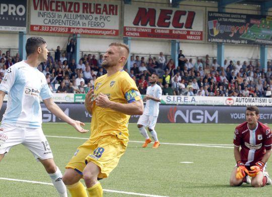 Dionisi, rigore sbagliato e gol contro l'Entella (legab.it/lapresse/Tano Pecoraro))