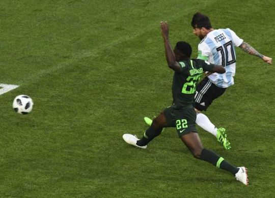 Messi segna l'1-0 contro la Nigeria (afp/corriere.it)