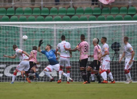 Il gol di Bellusci in Palermo-Perugia (sportperugia.it)