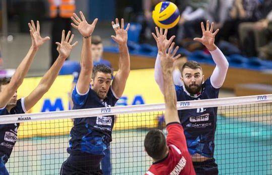 Giannelli, Candellaro e Kovacevic a muro contro l'attaccante iraniano (gazzetta.it)