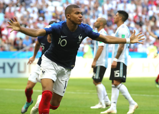 Kylian Mbappé è il miglior under 21 (Alexander Hassenstein/Getty Images)