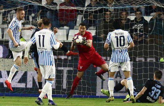 Spal-Lazio decisa da un rigore di Petagna nel finale (gazzetta.it)
