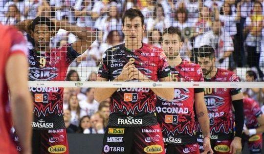 I giocatori di Perugia sotto rete (repubblica.it)