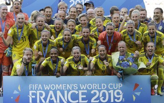 Svedesi in festa per il bronzo (AP Photo/Claude Paris)